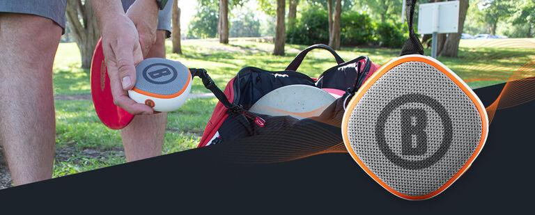 Disc Golfer adjusting Bushnell Disc Jockey